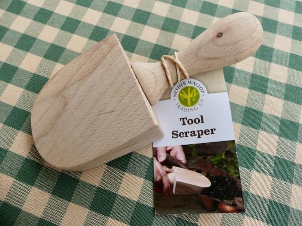 Holzspatel zum Reinigen von Werkzeug